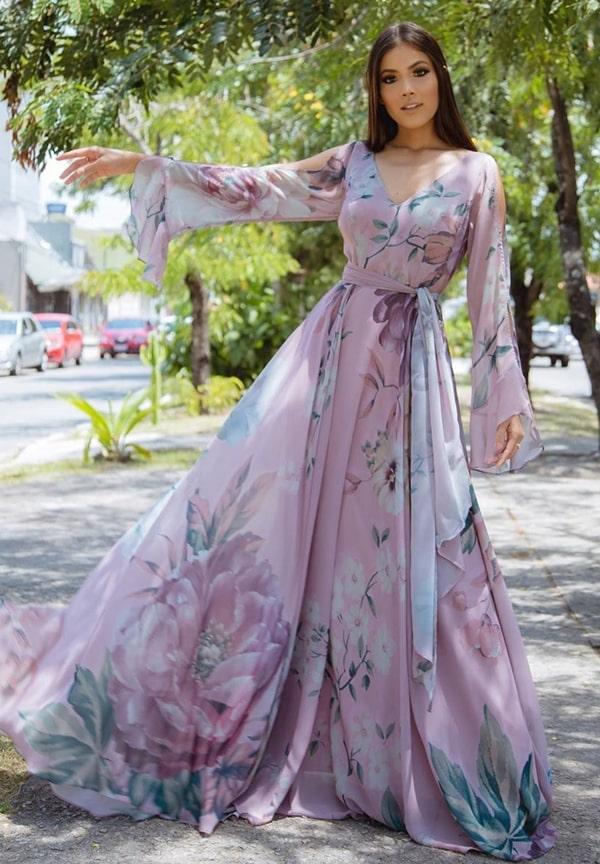 vestido longo lavanda com manga longa e estampa floral