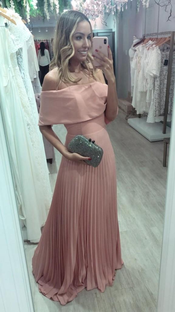 vestido de festa longo rosa plissado  ombro a ombro