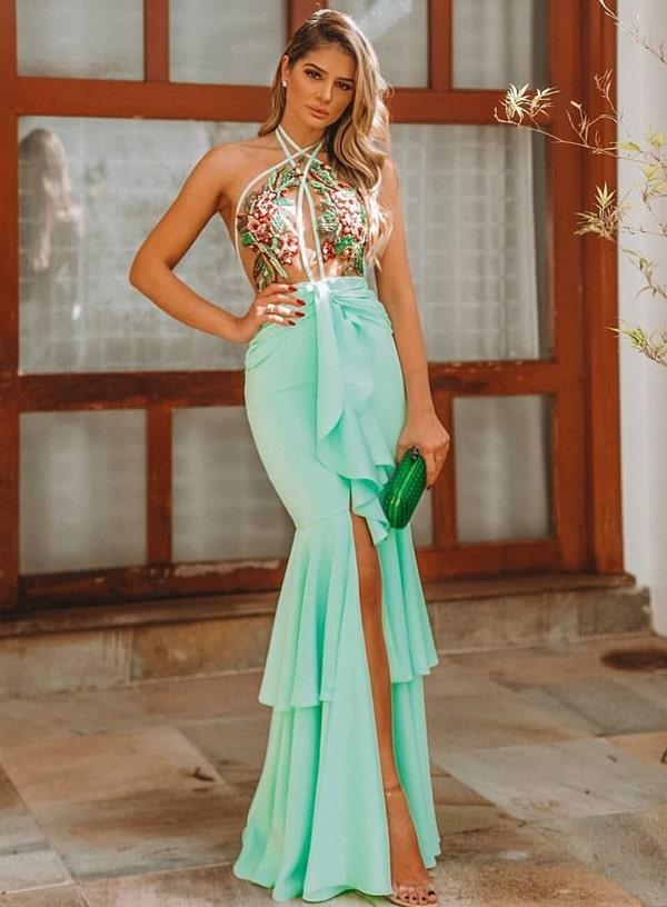 3643f91cc 19 Vestido no tom de verde mais desejado do ano: verde esmeralda! O modelo  é aquele clássico que não tem erro,lindíssimo! À venda na Joana Julião  (eles ...