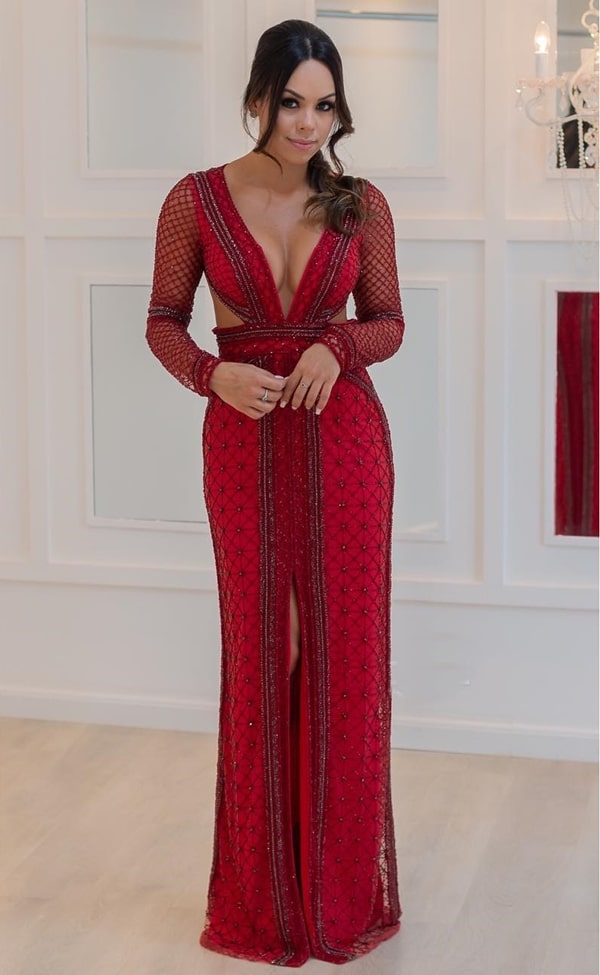 vestido longo vermelho bordado com manga longa