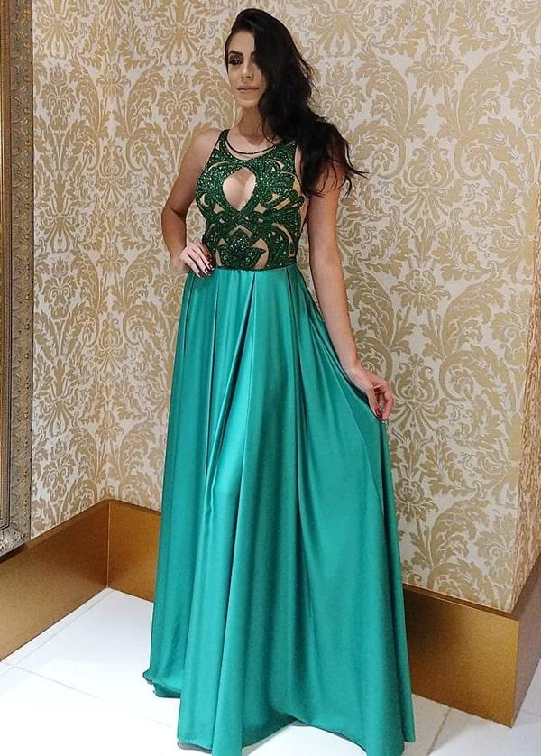 vestido de festa verde com saia fluida