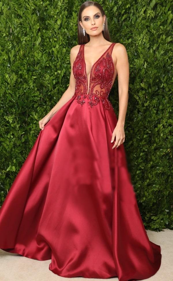 vestido de festa marsala estilo princesa
