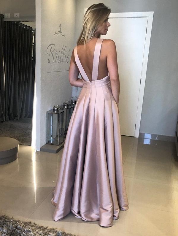vestido longo rosa claro estilo princesa