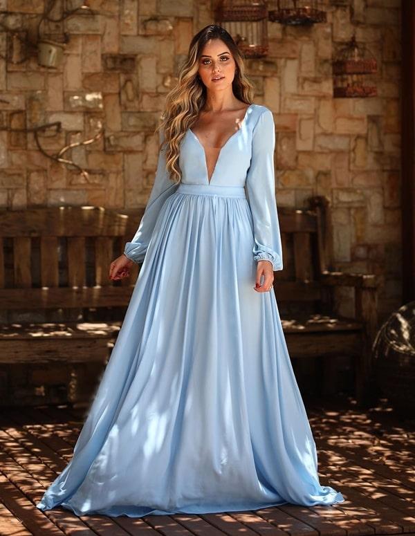 vestido de festa longo azul claro com manga longa