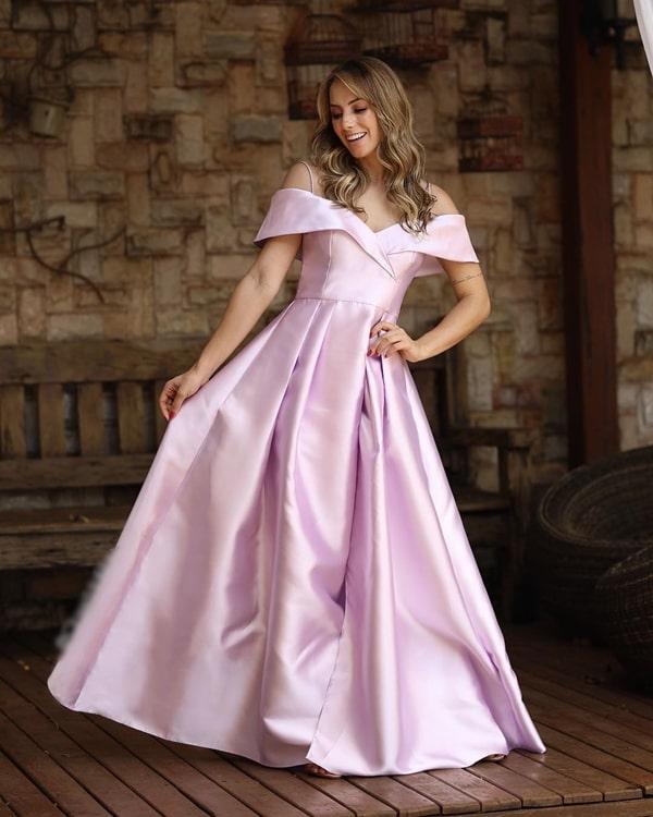 vestido longo rosa estilo princesa