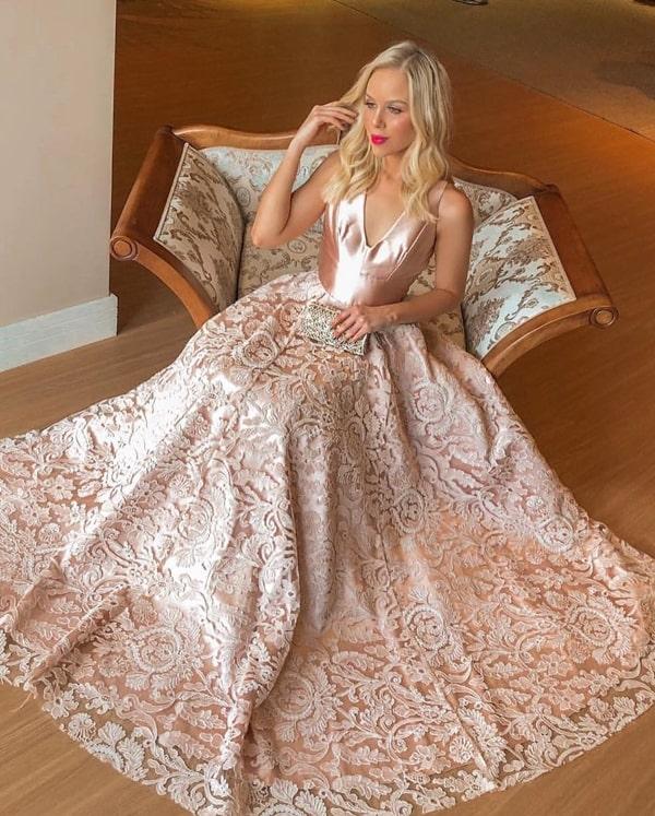 vestido longo rose com saia rendada