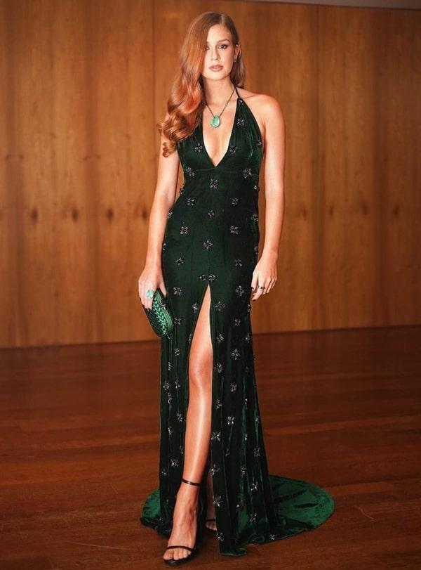 Marina Ruy Barbosa vestido de festa verde com fenda