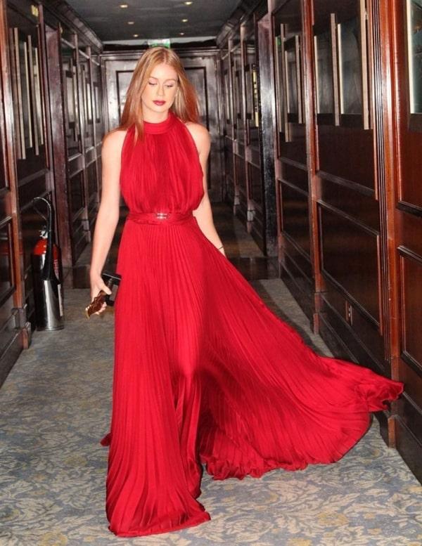 Marina Ruy Barbosa vestido de festa vermelho