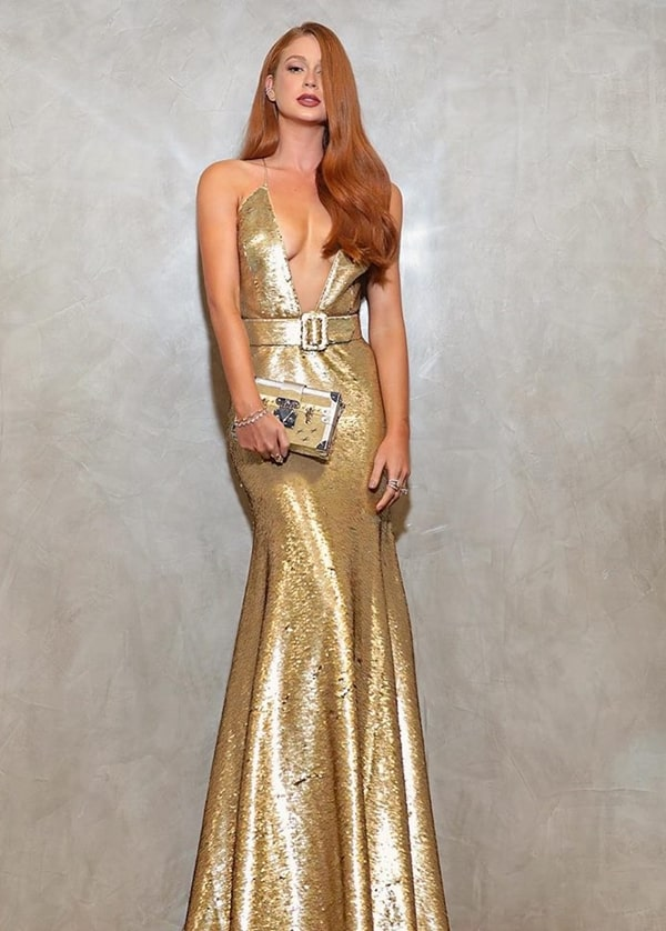 Marina Ruy Barbosa vestido de festa dourado