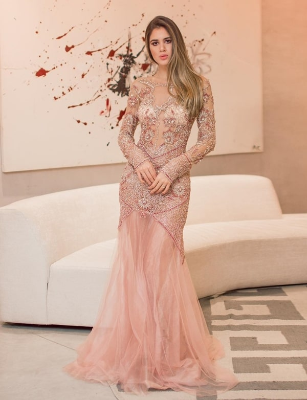vestido de festa manga longa rosa bordado