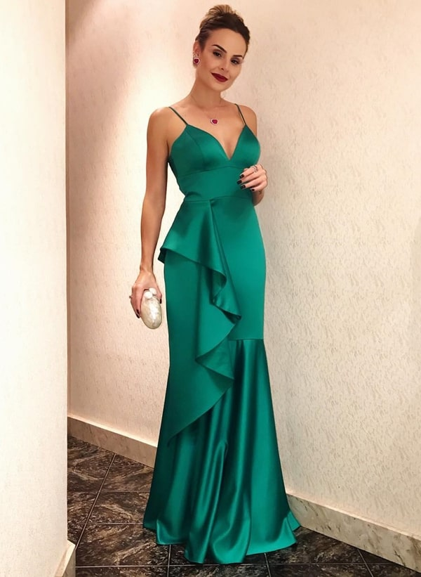 Layla Monteiro  vestido de festa longo verde esmeralda