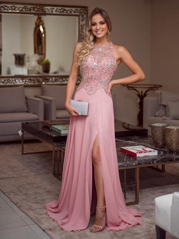 vestido longo rosa bordado com saia fuida