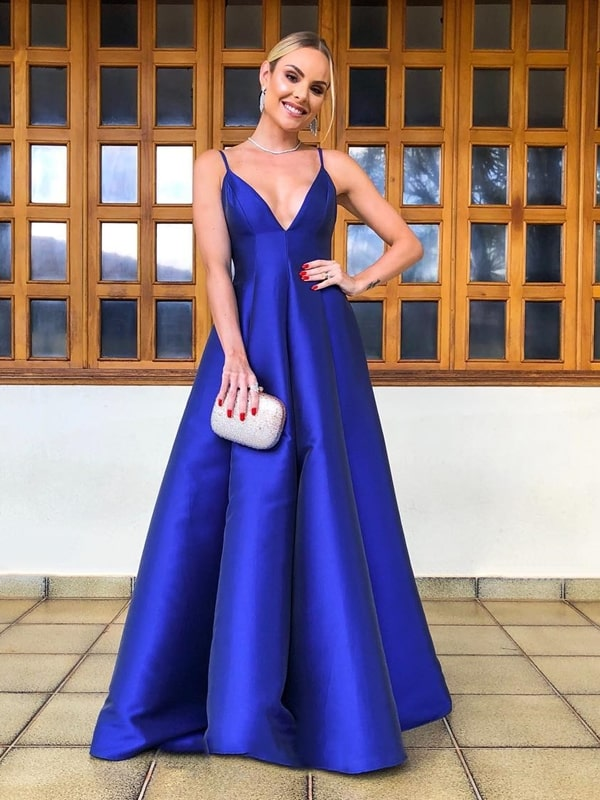 vestido longo azul royal estilo princesa