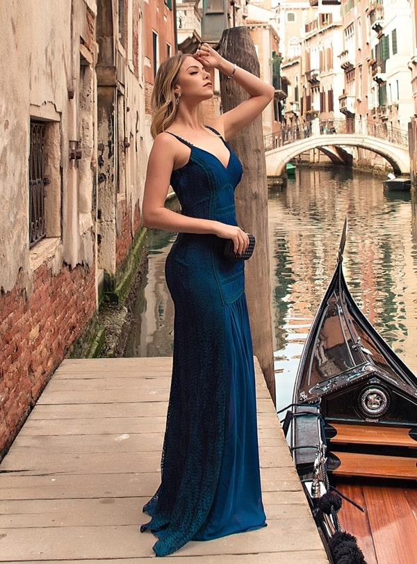 vestido longo azul petróleo