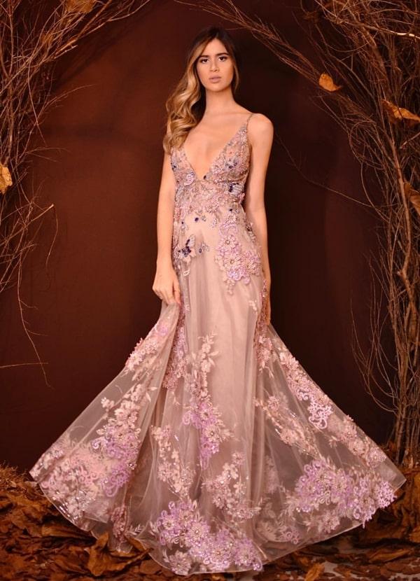 vestido longo rosa com bordado