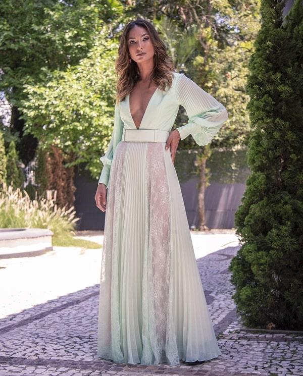 vestido verde claro com manga longa para madrinha de casamento