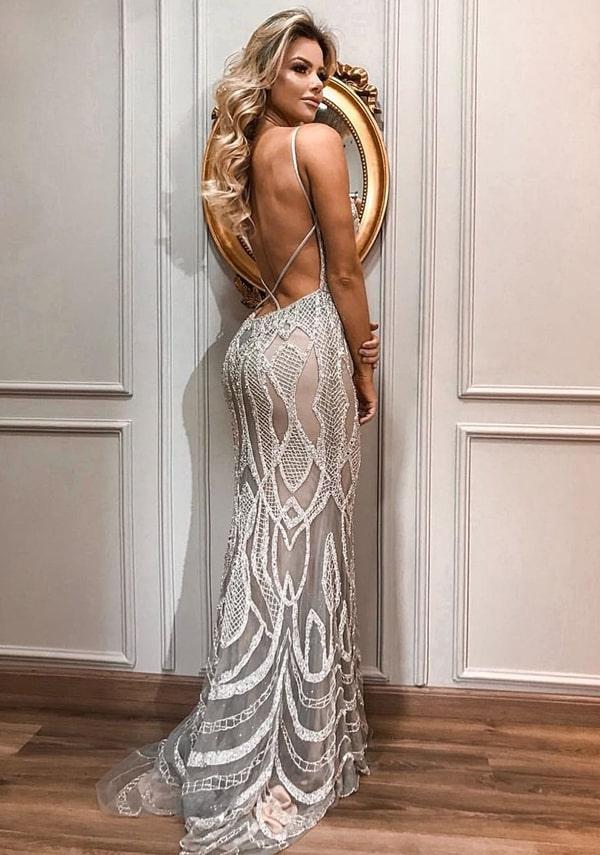 vestido de festa com decote nas costas