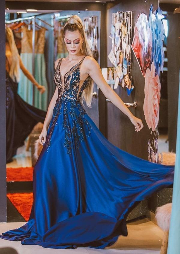 vestido de festa longo azul royal com formatura