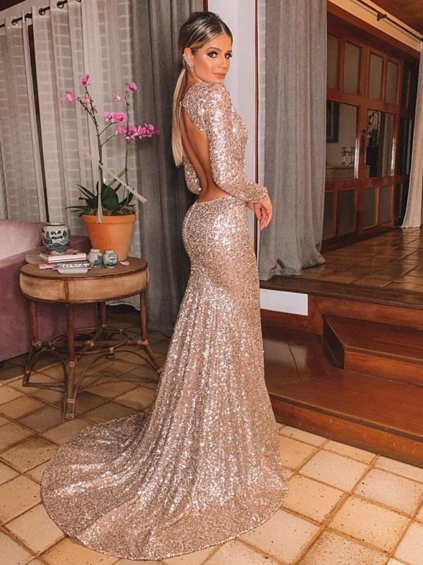 Thassia Naves vestido longo de paetes com decote nas costas