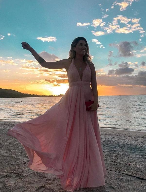 vestido longo rosa para madrinha de casamento na praia