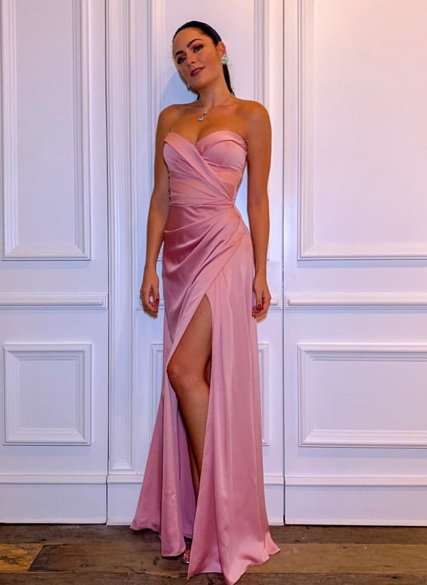 Luciana Tranchesi vestido de festa rosa longo com fenda