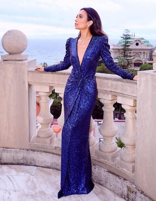 Vestido de festa transpassado azul royal de manga longa