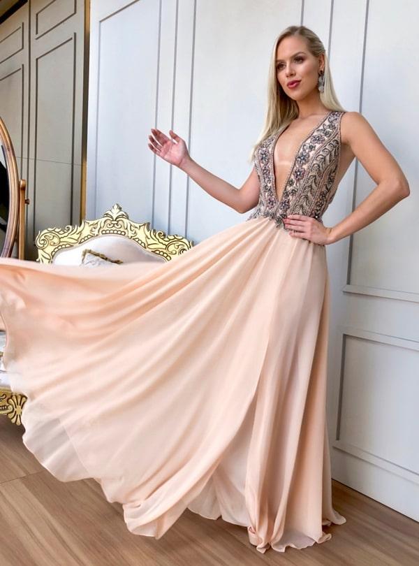 vestido longo nude para madrinha de casamento