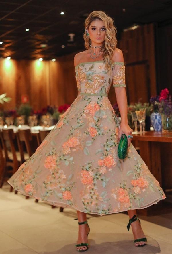 25 vestidos de festa midi para casamentos e eventos sociais!