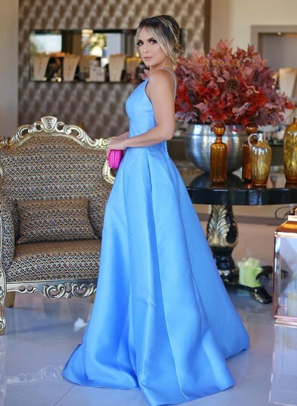 Vestido azul claro para madrinha: 36 vestidos longos de para casamentos na igreja, no campo e na praia!