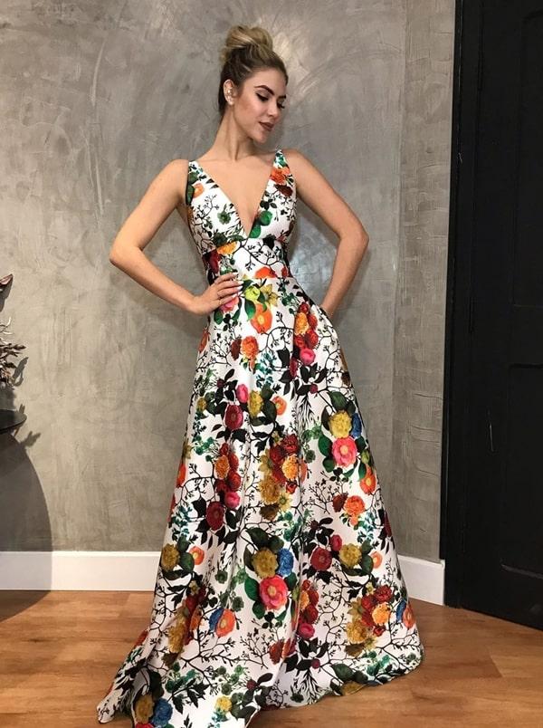 vestido de festa longo estilo princesa estampado