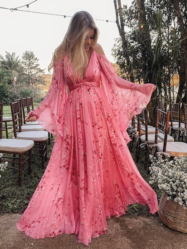 Vestido de festa para madrinha gestante: modelos e dicas