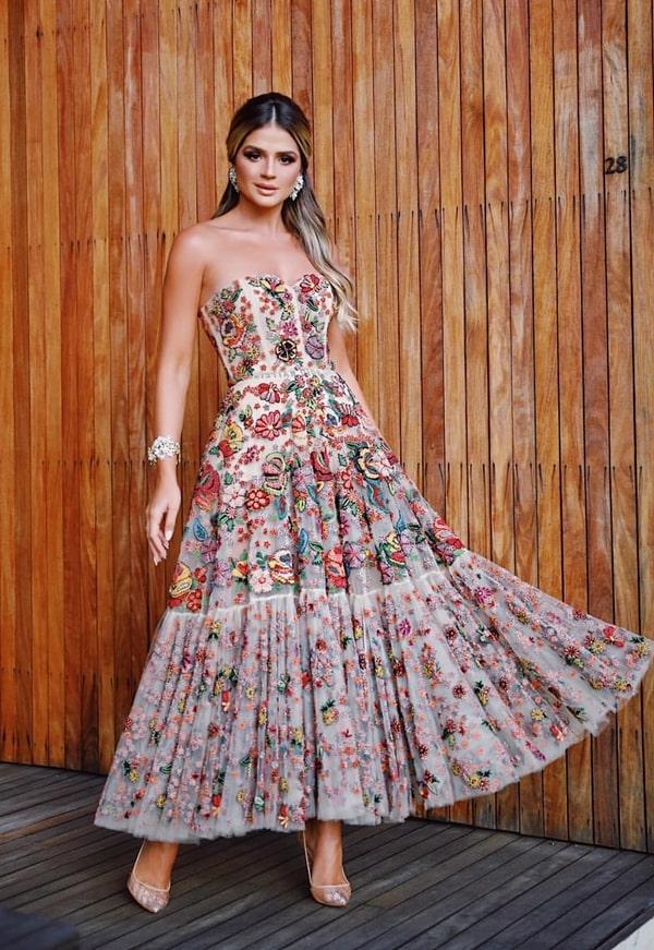 25 vestidos de festa usados por Thássia Naves