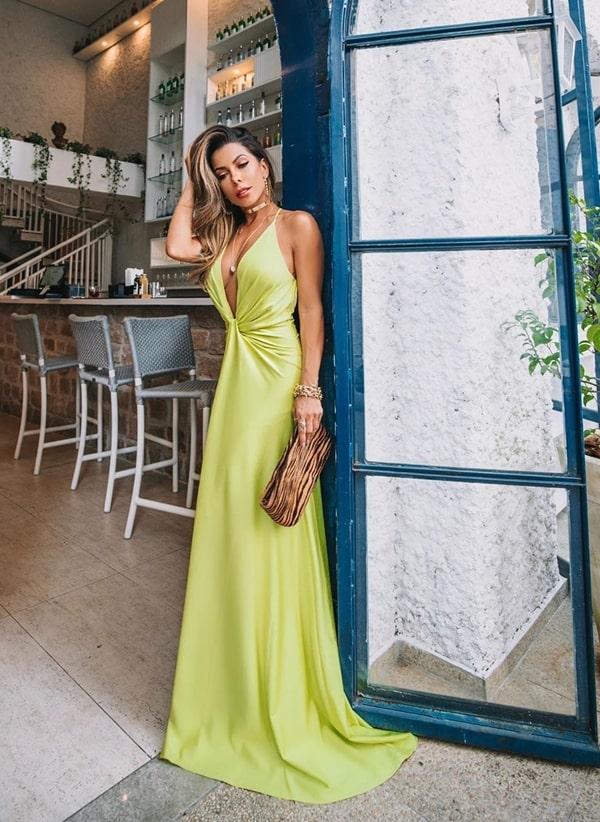 20 vestidos longos neon para usar em casamentos durante o dia.