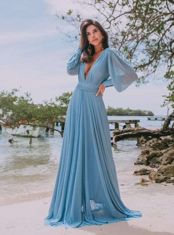 Vestido para madrinha de casamento na praia: fotos, modelos e dicas  para arrasar no look!
