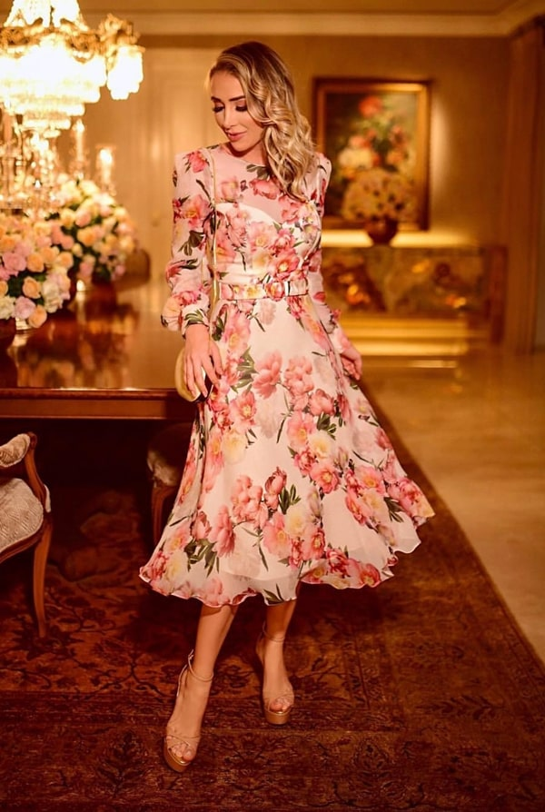 Vestido de festa midi: 30 vestidos para casamentos, formaturas e eventos sociais