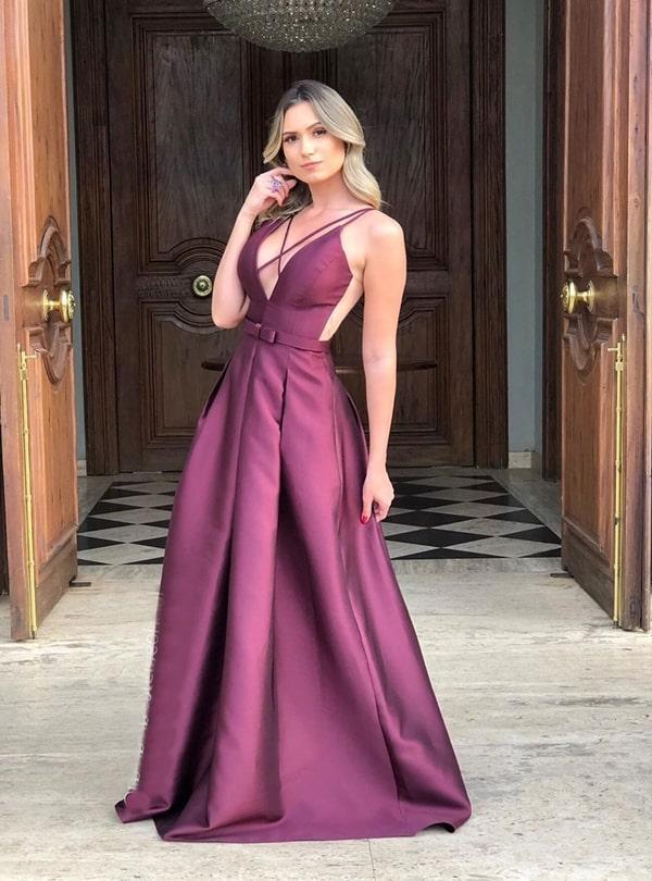 20 vestidos de festa vinho para madrinhas de casamentos e formandas!  Na foto vestido vinho estilo princesa