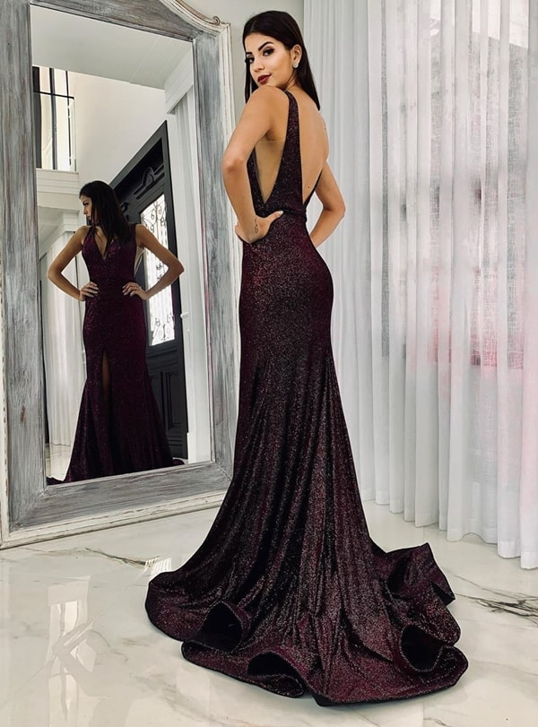 20 vestidos de festa vinho para madrinhas de casamentos e formandas!  Na foto vestido vinho com brilho