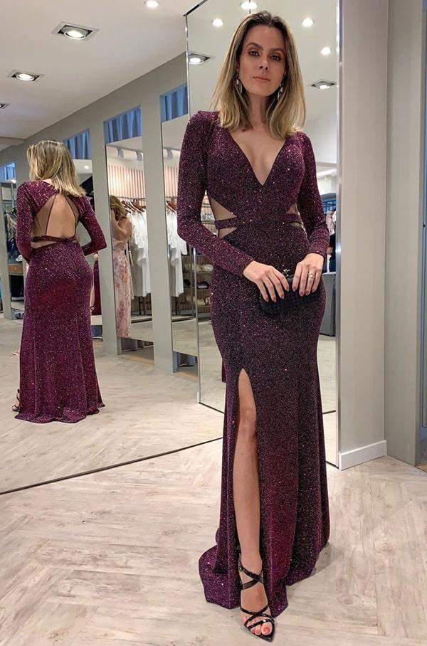 20 vestidos de festa vinho para madrinhas de casamentos e formandas!  Na foto vestido vinho de manga longa com brilho lurex