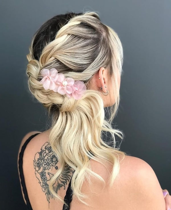penteado de festa semi preso com presilha