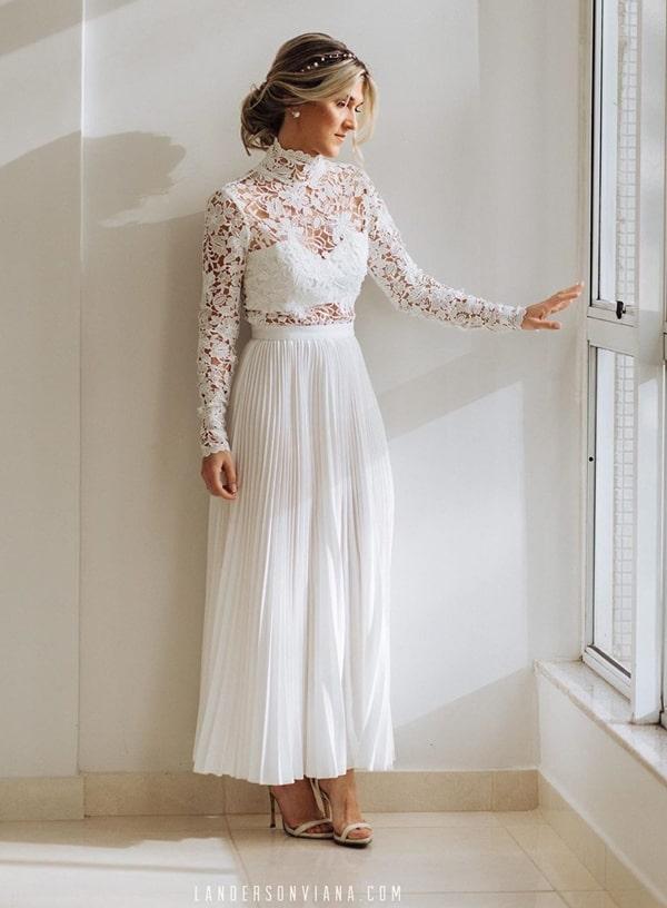 Vestido branco midi rendado para noiva casamento civil ou mini wedding