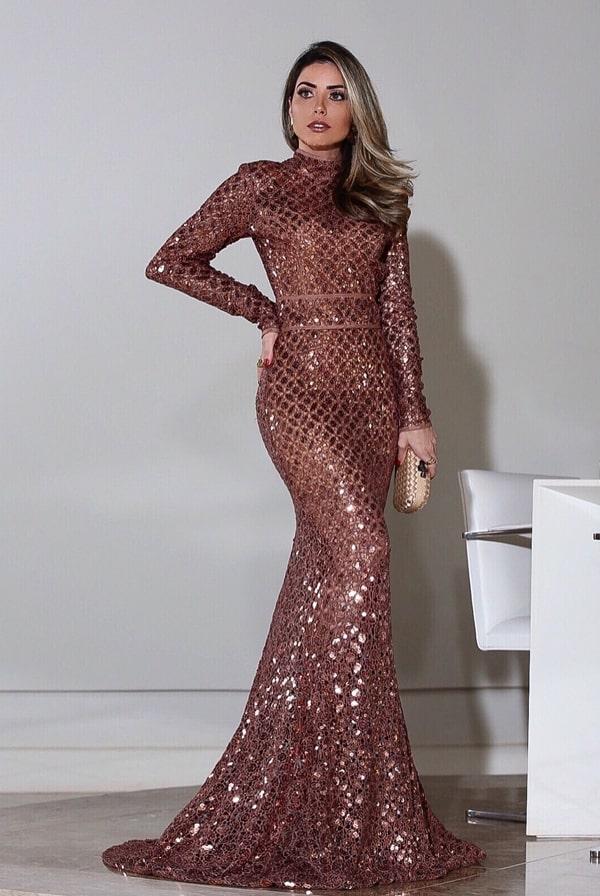 vestido de festa longo em tons terrosos
