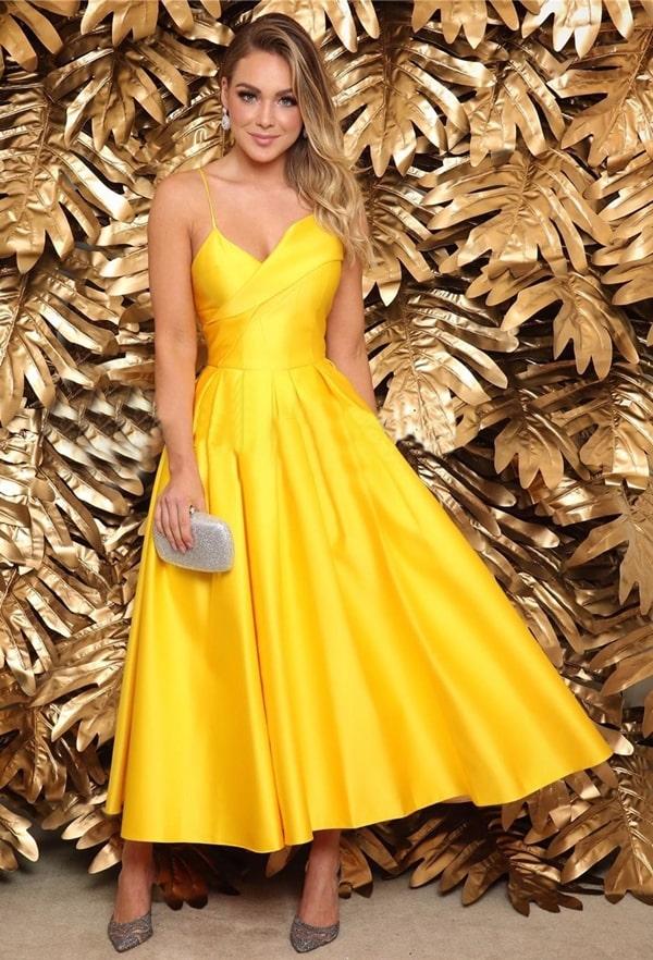 vestido de festa midi amarelo