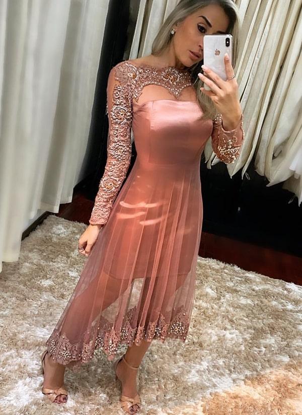 vestido de festa midi rosa com manga longa e tule bordado