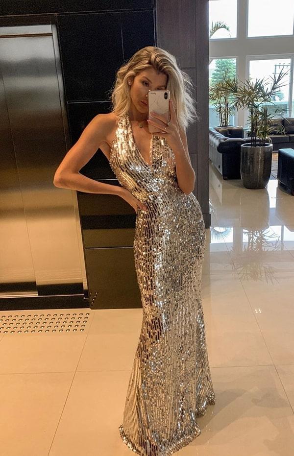 vestido longo paetes prata