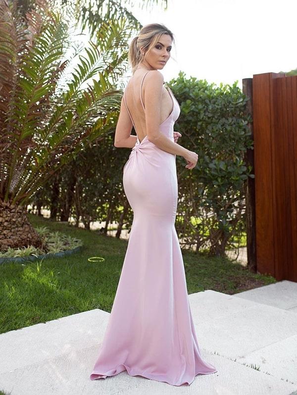 Vestido longo rose decote nas costas
