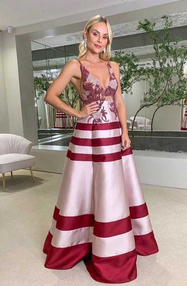 Layla Monteiro vestido de festa estilo princesa rosa e marsala