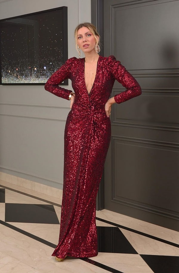 Nati Vozza vestido de festa longo vermelho de paetes