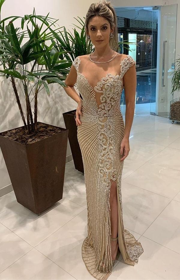 vestido de festa longo bordado em pedraria
