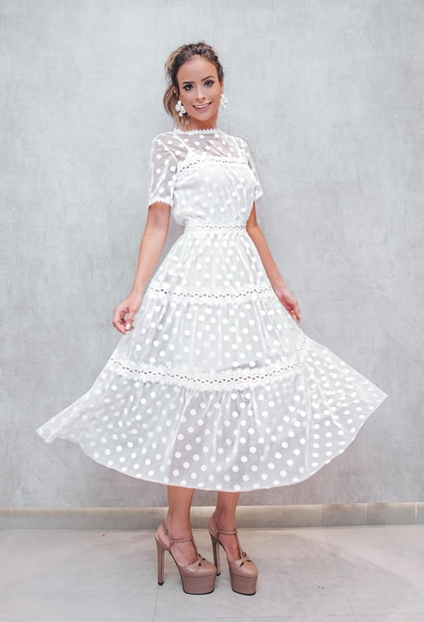 vestido branco midi bolinhas póas
