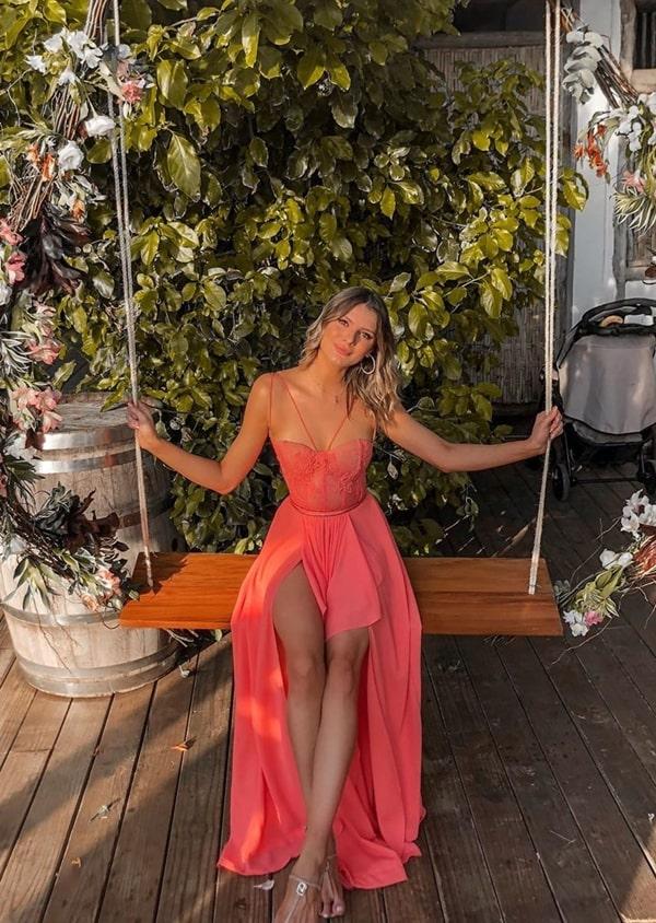 vestido coral para casamento na praia